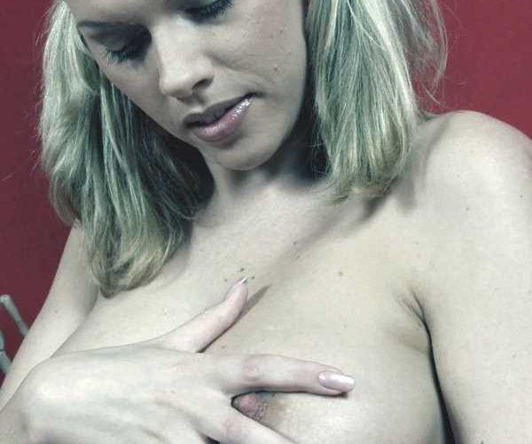 Dralle Blondine aus Linz sucht echte Sextreffen